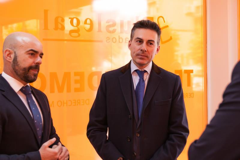 Opinion alquiler seguro interesting ee with opinion alquiler seguro top en noviembre el - Telefono gratuito caser seguros ...